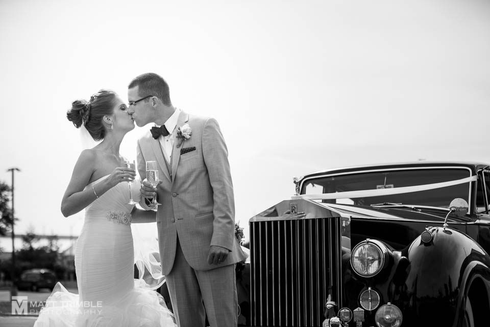 wedding photography antique car champagne
