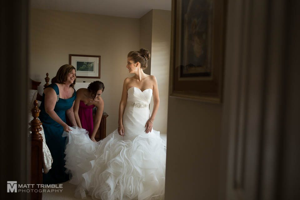 bride prep wedding photography