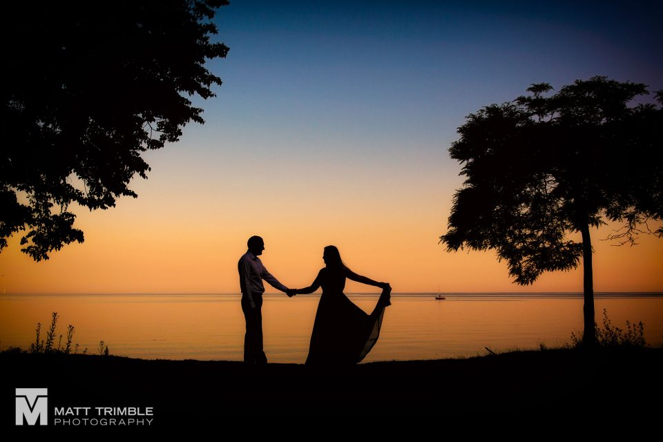 scarborough bluffs engagement photography silhouette