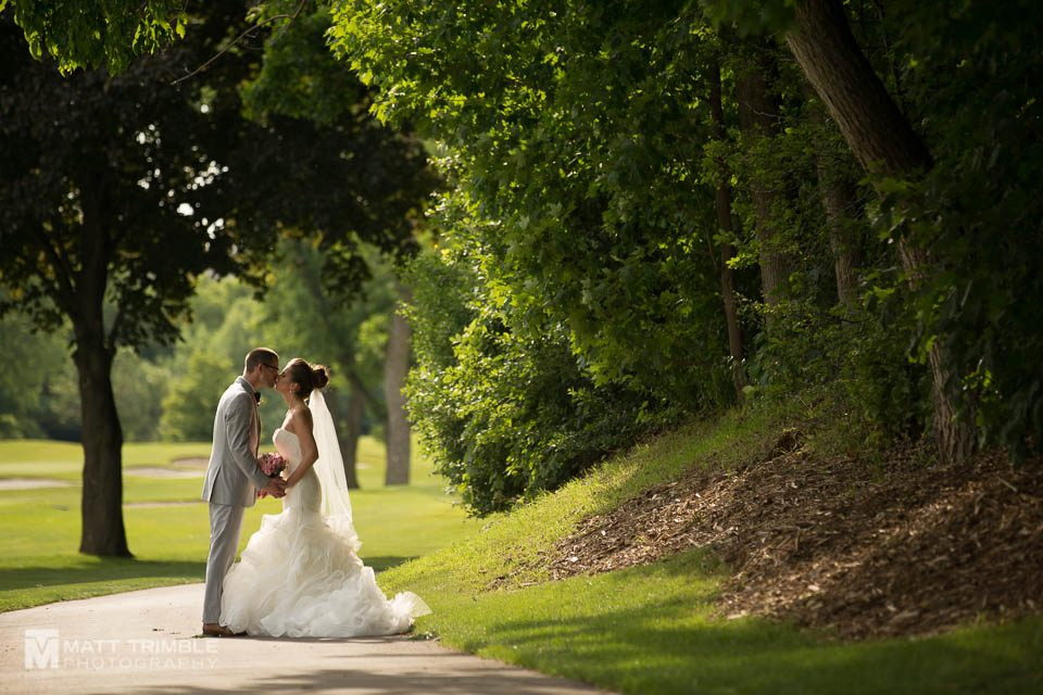 wedding kiss at markland wood golf club